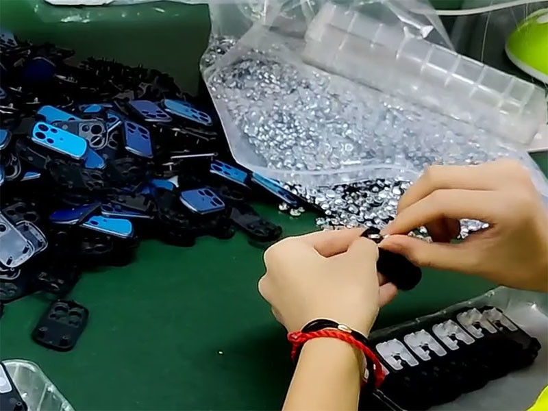 Metal 4-button remote control